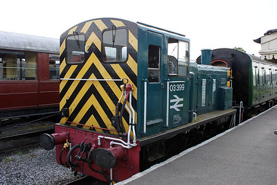 03399 on the shuttle service at Mangapps Farm Railway    11/06/11