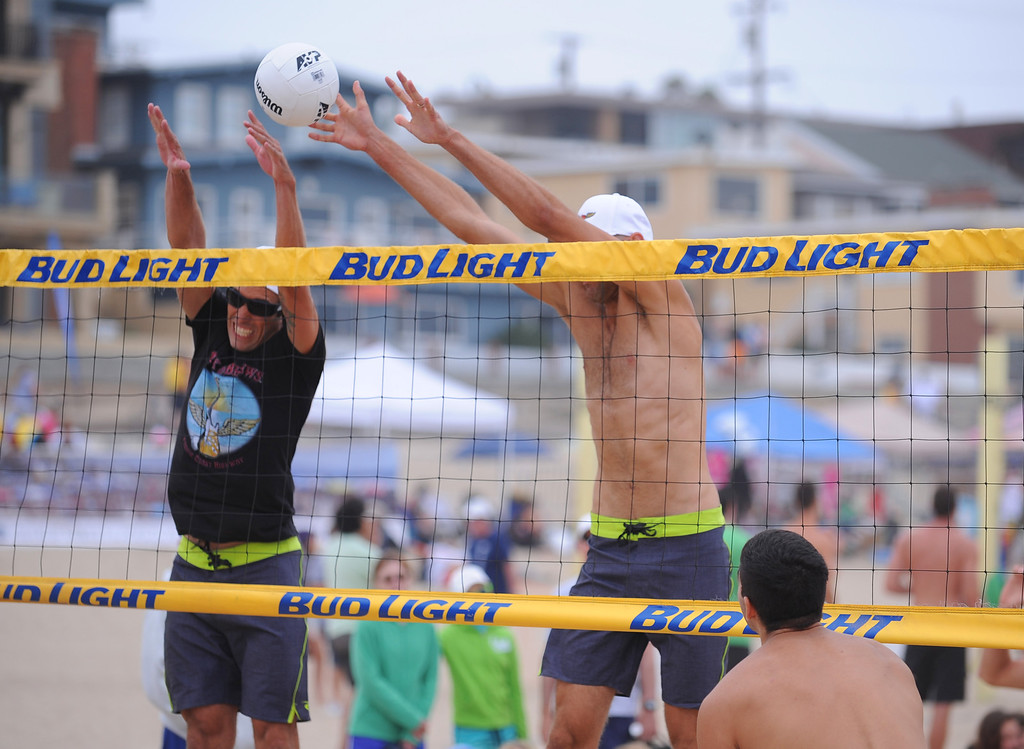 . Manhattan Beach Charlie Saikley 6-man beach volleyball tournament.   Photo by Brad Graverson 7-31-13