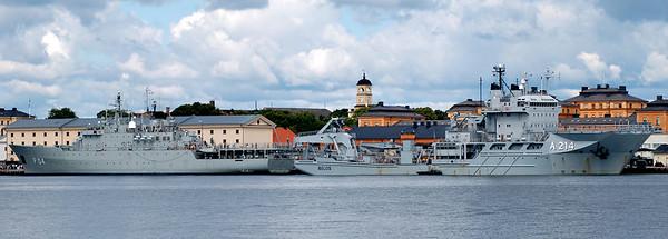 HMS Carlskrona & dykeri- och ubåtsräddningsfartyg HMS Belos