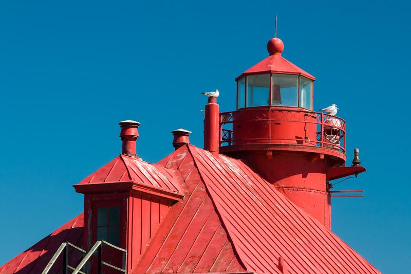 Gulls rest on top of the Sturgeon Bay Pierhead light. Sturgeon Bay, WI<br /> <br /> WI-080901-0173