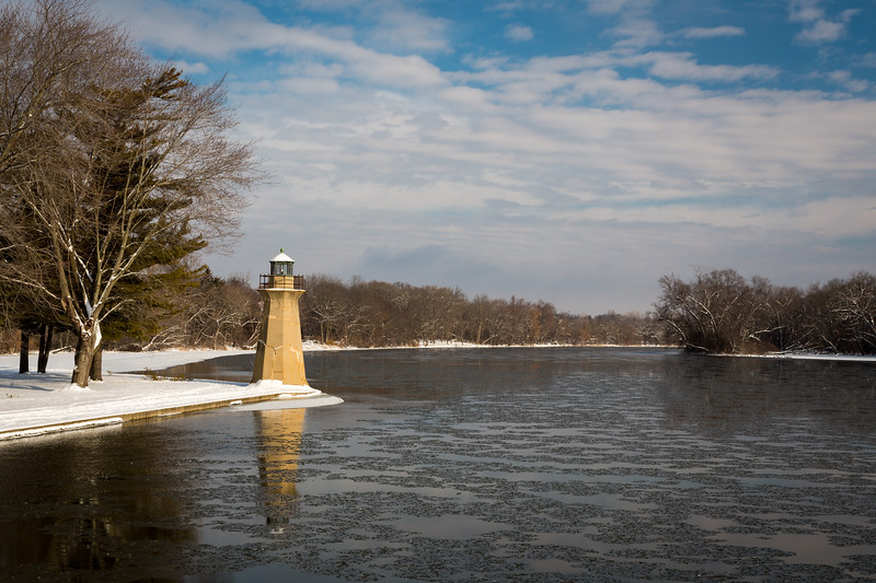 Ice floats past the Fabyan Lighthouse on a cold winter morning. Geneva, IL<br /> <br /> IL-130205-0024