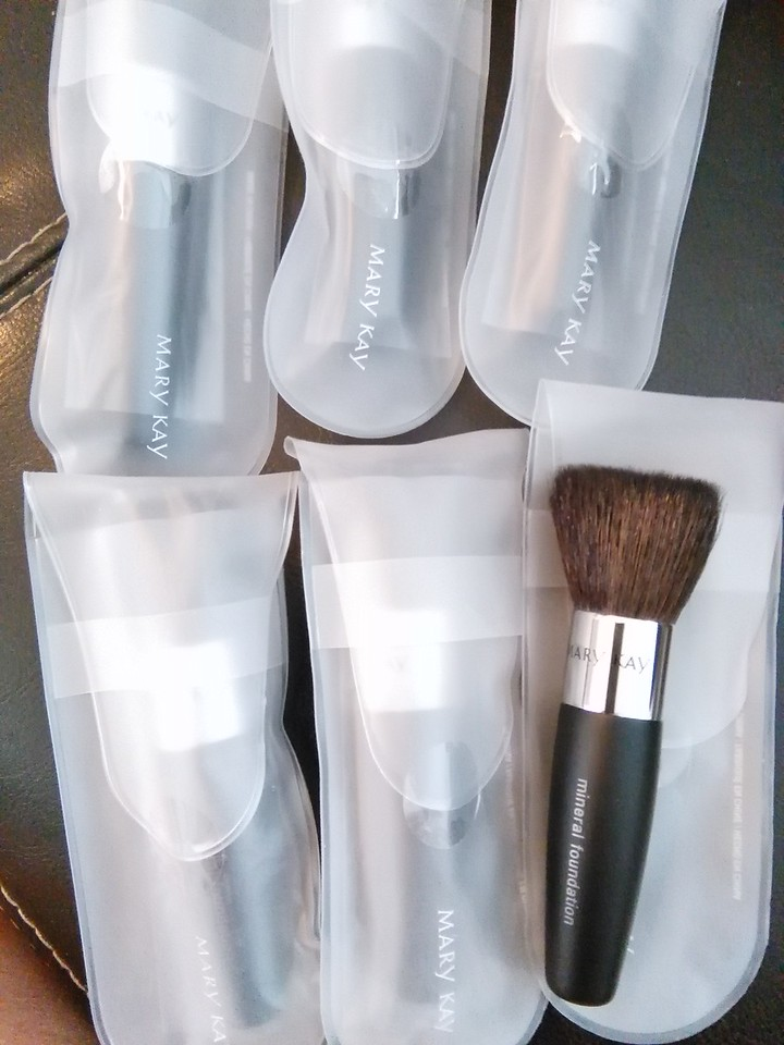 Mineral Foundation Brush   $10.