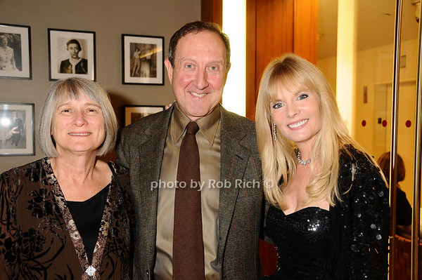Pauline Bencivenga, Gary Bencivenga, Colleen Rein<br /> photo by Rob Rich © 2009 robwayne1@aol.com 516-676-3939