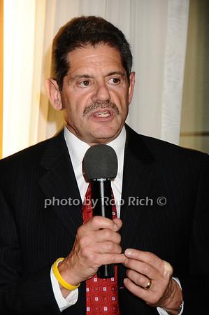 Lewis Grossman<br /> photo by Rob Rich © 2009 robwayne1@aol.com 516-676-3939