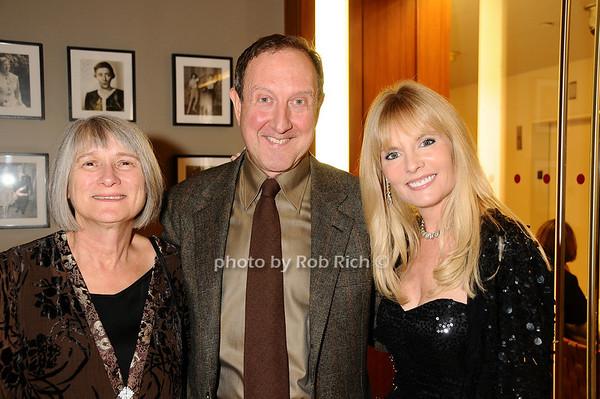 Pauline Bencivenga, Gary Bencivenga, Colleen Rein<br /> photo by Rob Rich © 2009 robwayne1@aol.com 516-676-3939