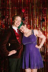 MET_Retro_Prom_2016_prom_photos_0048