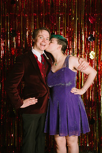 MET_Retro_Prom_2016_prom_photos_0049