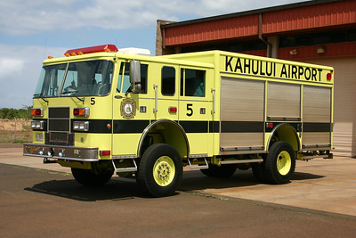 Rescue 5 at Kahului Airport is this 1999 Pierce Saber.  First out on all EMS calls.
