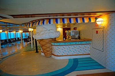 Ice cream station - yum!