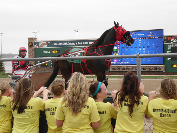 Fun Day at Hoosier Park<br /> <br /> Photographer's Name: Sheri Heath<br /> Photographer's City and State: Anderson, IN