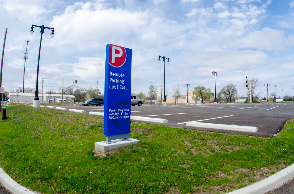Students tackle topic of campus parking availability