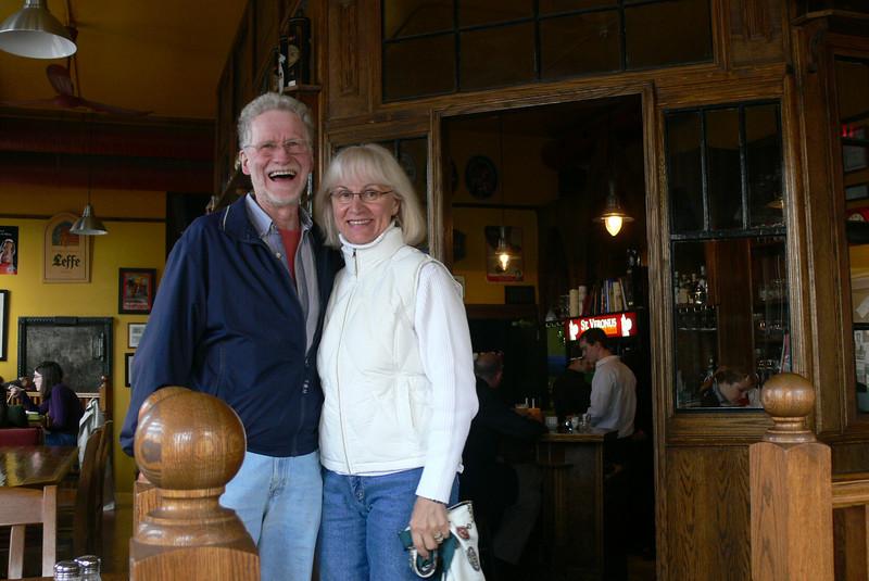"""im """"st. veronous cafe and tap bar"""" auf ein belgisches bier"""