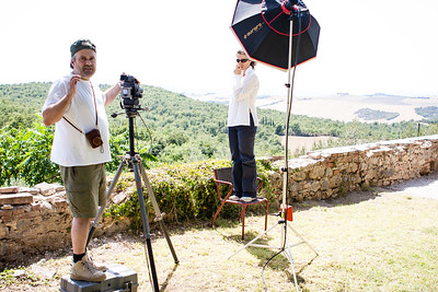 Outdoor portrait set in the lovely Tuscany landscape