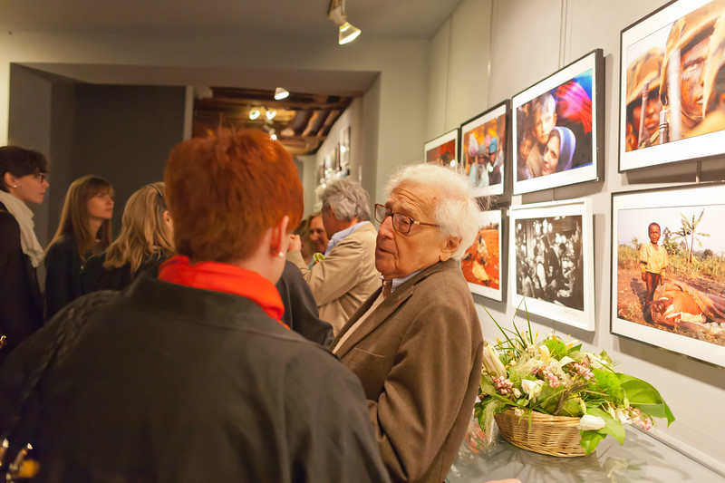 "John G. Morris at the opening of Peter Turnley's photo exibition ""La Condition Humaine"" (The Human Condition)"