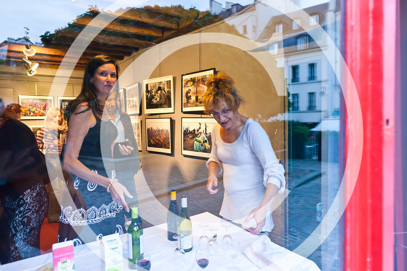"""Opening of Peter Turnley's photo exibition """"La Condition Humaine"""" (The Human Condition)<br /> Galerie Agathe Gaillard, 3 rue du Pont Louis Philippe, in Paris"""