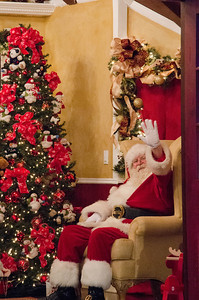 Hey it's Santa! He did come back! Yeah Santa!
