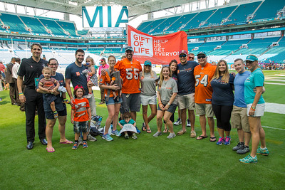 2016 Miami Dolphins Cancer Awareness Day