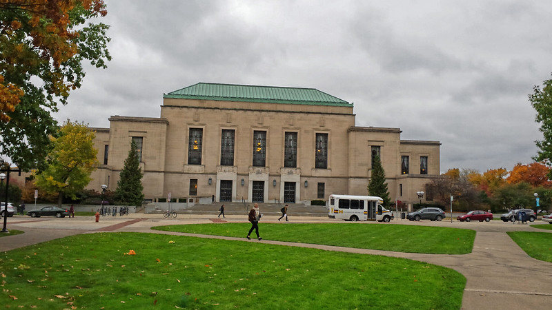 Graduate School building.