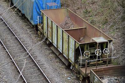 DB982613 40t Sealion at Alton Sidings  21/03/15.