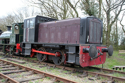 Ruston & Hornsby 0-4-0DM 304470  Mid Suffolk Railway  06/04/12.