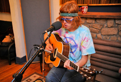 Mile Marker: Brett Dennen. Photos by Evan Semon, heyreverb.com.