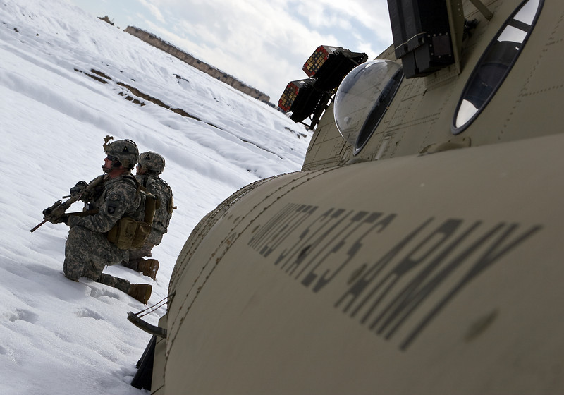 Pathfinders keeping security during load-up