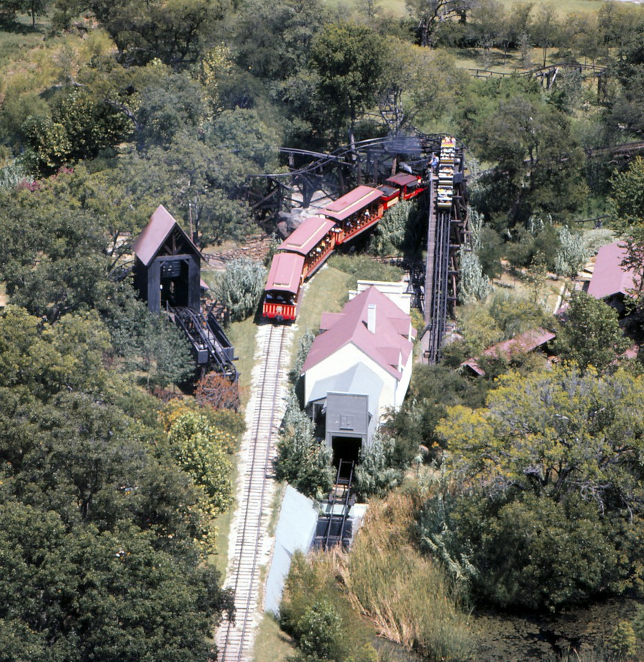 aerial with train