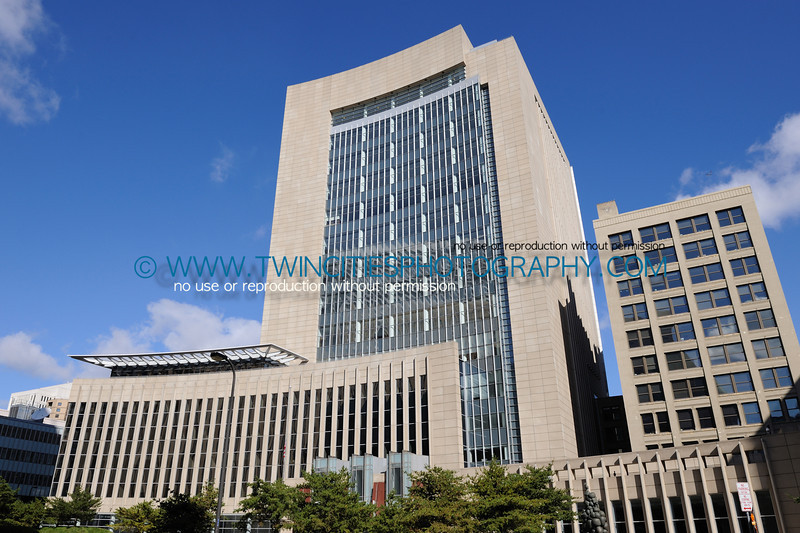 """<font size=""""3"""" face=""""Verdana"""" font color=""""white"""">United States Federal Courthouse</font> <font size=""""3"""" face=""""Verdana"""" font color=""""#5CB3FF"""">The Federal Courthouse in Minneapolis, Minnesota. October 18, 2009.</font> <br> <font size = """"1"""" font color = """"gray"""">Click on photo to see larger size.</font>"""