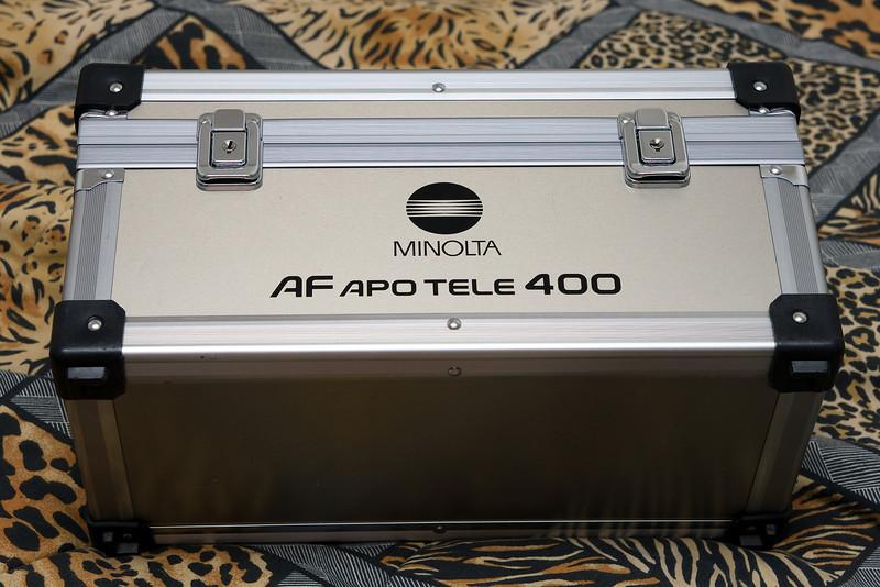The Minolta 400 f/4.5 APO G HS case.