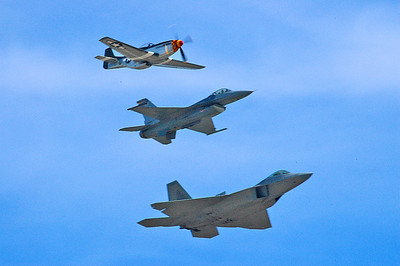 Heritage flight (P51/F16/F22)