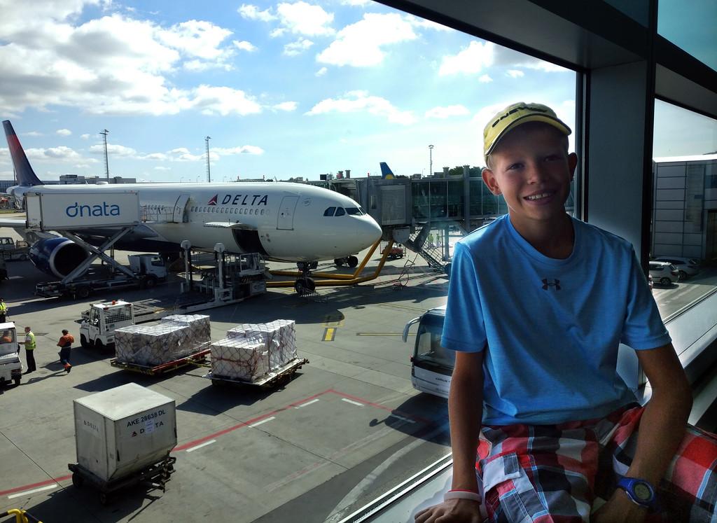 Jonsdorf leaving for the USA