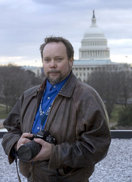 Photo by Rick McKay/Washington Bureau<br /> slug: <br /> Hamilton photographer E.L. Hubbard at the Capitol. (Photo by Rick McKay/Cox Washington Bureau)