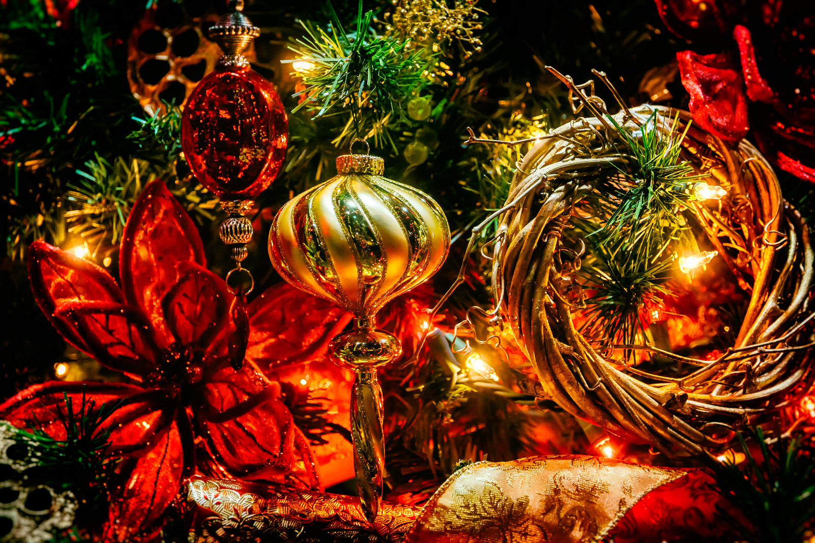 Holiday store window display photographed on December 15, 2014 in downtown Mount Vernon, Ohio.