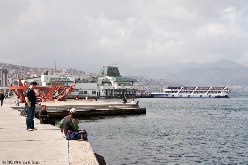 20 April 2010<br /> Konak Vapur İskelesi (Konak Ferry Landing)