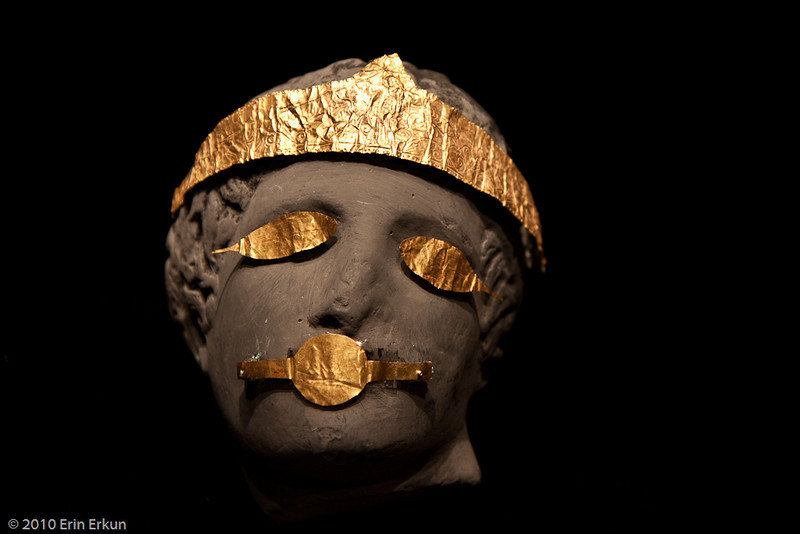 20 April 2010<br /> İzmir Museum of Archaeology<br /> Gold Jewelry (1st Century BC - Kozbeyli — Foça).  The mouth band dates back to  between 1st and 3rd centuries BC.