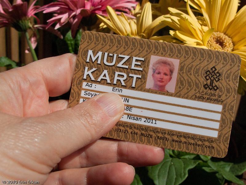 "20 April 2010<br /> Here's the handy-dandy ""MüzeKart."""