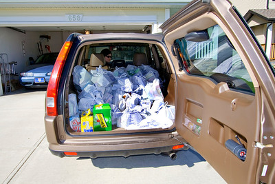 Just got home from the grocery store! Just kidding - the Church did a Calgary-wide food drive for the Food Bank and this is what we picked up.  This is the third year the Calgary Stakes have done this and this was the most food we've ever collected.