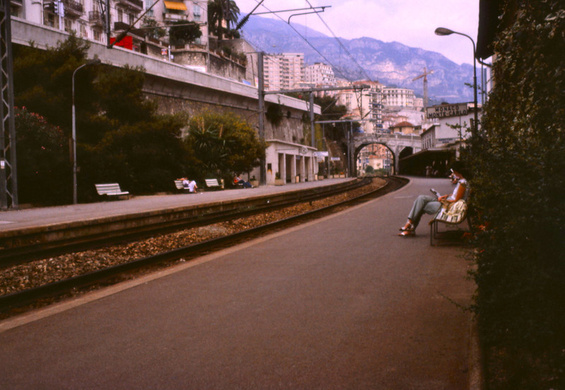 Train stop, Monte Carlo.