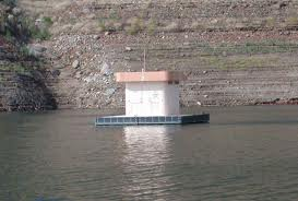 Floating toilet on Lake Shasta. Apparently this is not common elsewhere in the United States. It's very handy.
