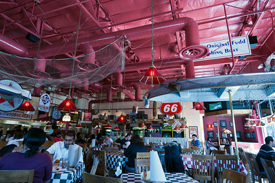 Testing out the 14-24mm f/2.8.  Inside Fuddruckers in Union City
