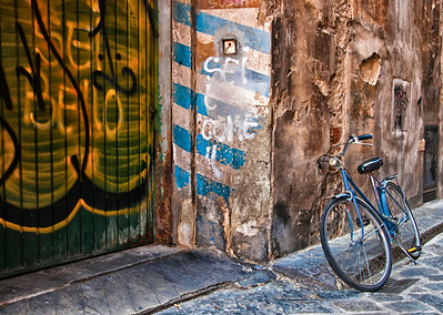 Graffiti and Bicycle, Florence