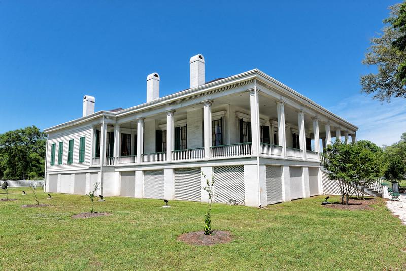 Post-war home of the former Confederate President Jefferson Davis.