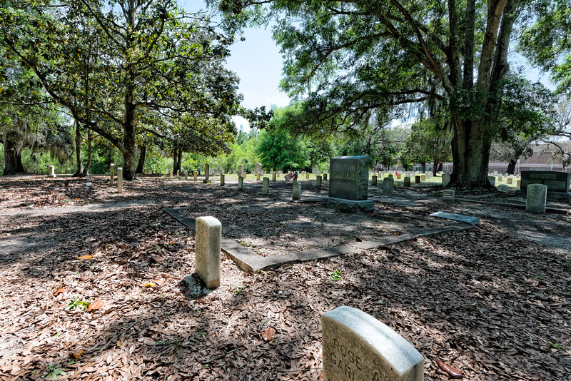 Cemetery on the estate of Jefferson Davis