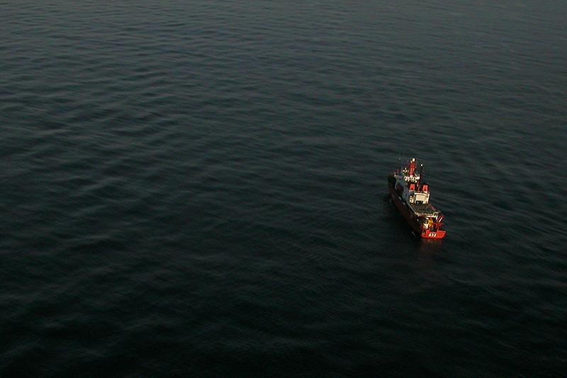 Hespérides A33 navegando en el Estrecho (2003)