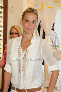 Easthampton- June27,2009:(l-r) Actress and model Molly Sims  attends the  opening of the T-Studio in the Tommy Hilfiger store  in Easthampton on June 27,2009. photo by Rob Rich/SocietyAlllure.com