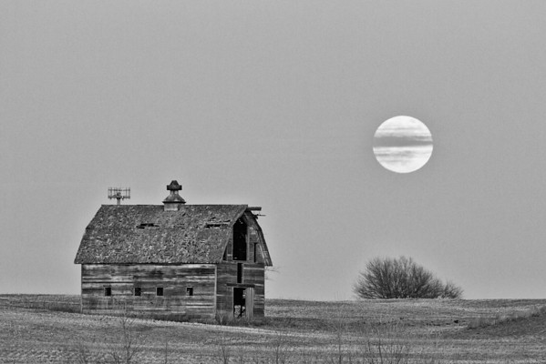 -022 January 08, 2012 full moon barn-Edit-3