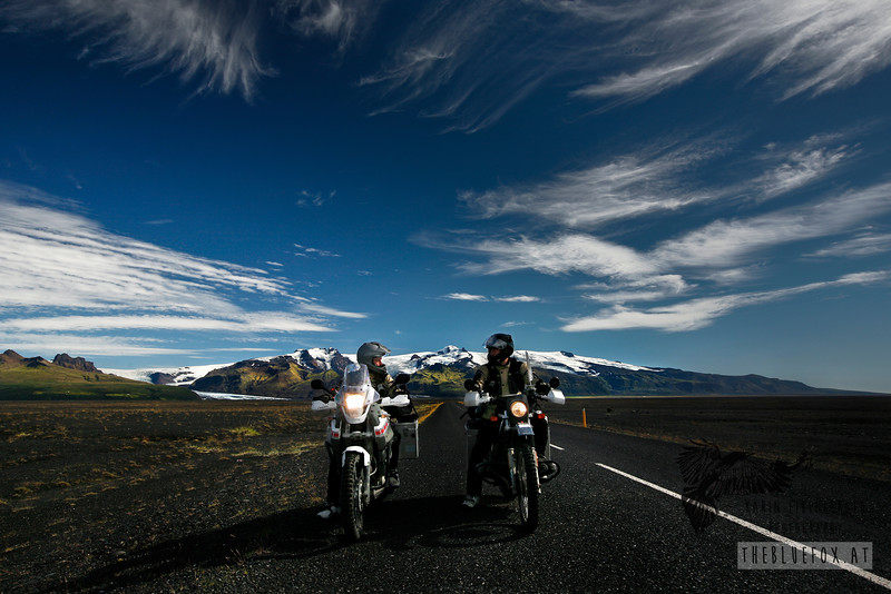Me on the Ténéré to the left, Bernhard on his BMW R 80 G/S to the right. Behind the Vatnajökull glacier. South Iceland, summer 2010.