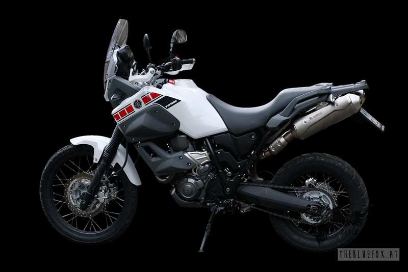 The original Tenere, before customization, but already with the powerful Akrapovic-exhausts.