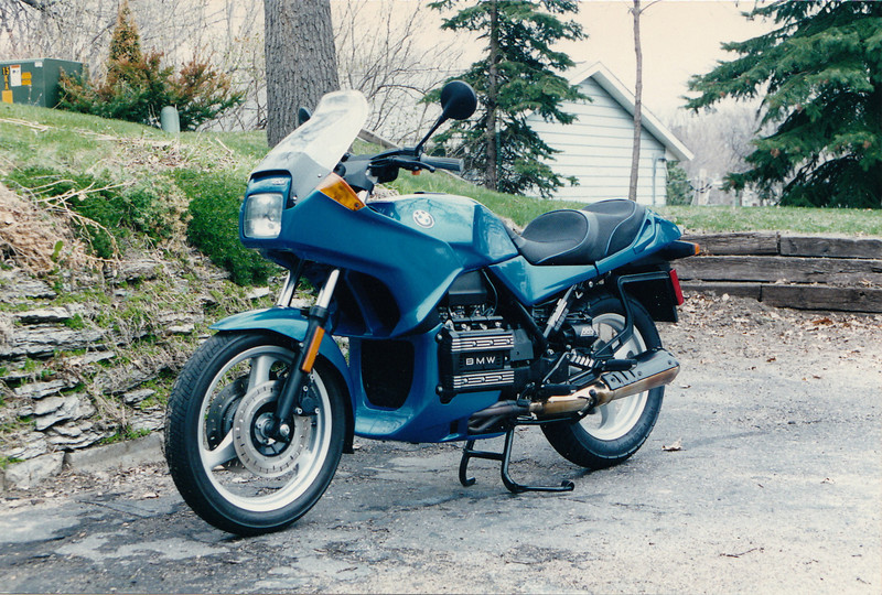 My brand new BMW K75S a few weeks before I totaled it.