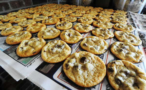 Globe/T. Rob Brown<br /> Bonnie Grace lets a batch of fresh cookies cool Tuesday morning, July 24, 2012, in her rural Sarcoxie home.